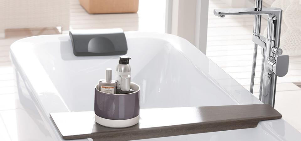 Agencer une petite salle de bains avec baignoire - Villeroy ...