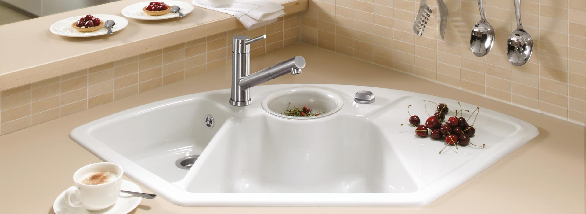 Evier Cuisine Villeroy Et Boch #7: Éviers Du0027angle Solo Angle, Robinetterie Cosmo Shower